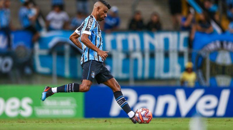 Botafogo-PB avança para contratar Léo Moura, e anúncio pode ser feito na segunda-feira